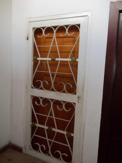 Alquilo A Ejecutivos Apartamento De 84mts2, El Limón, Mcay.