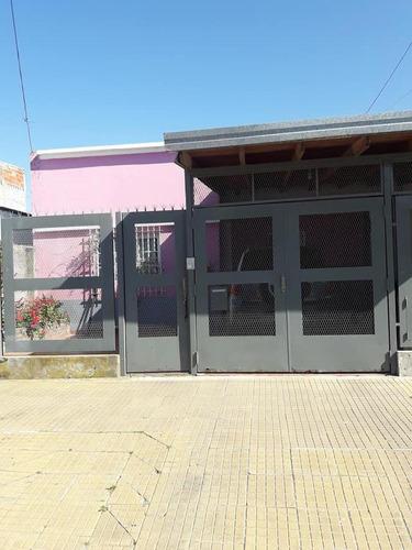 Casa Venta 3 Dormitorios 2 Baños 1 Patio Y Quincho 1 Cochera 300 Mts 2  - Ensenada