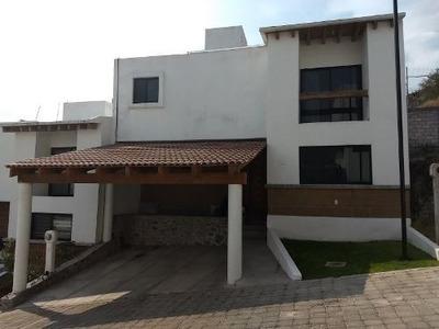 Hermosa Casa En Renta Ubicada En Condominio El Sorgo Corregidora !!