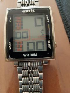 Reloj Digital Emit Retro. Tomo Art. Casa Pompeya