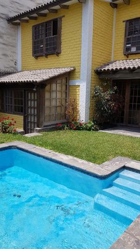 Casa Con Piscina, Jardines Y Oficina De Trabajo Remoto