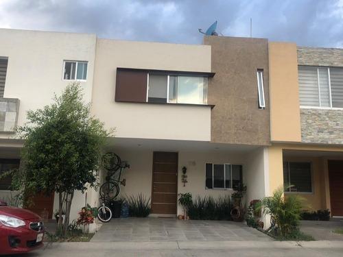 Casa En Venta En Valdepeñas, Torre Molino, Zapopan