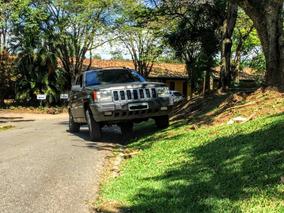 Jeep Grand Cherokee 4.0 Laredo 5p - V6 Gasolina - Automática
