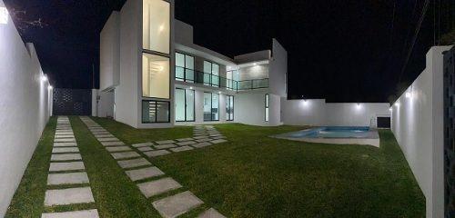 Hermosa Residencia En Oaxtepec, Minimalista.