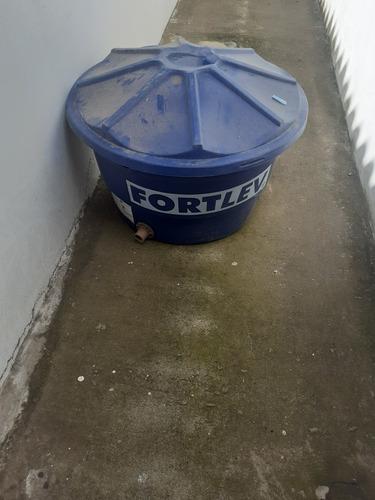 Imagem 1 de 1 de Vendo Caixa D'água Fotlev