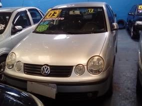 Volkswagen Polo Sedan 1.6 4p Completo