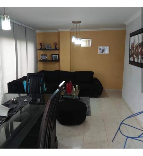Se Vende Apartamento En El Barrio Las Delicias