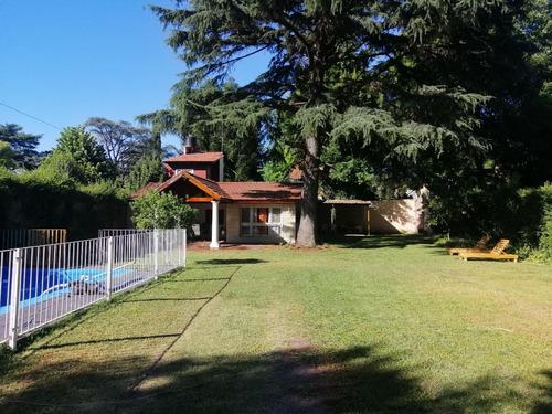 Casa Quinta En Alquiler Con Pileta En Villa Udaondo