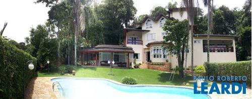 Imagem 1 de 9 de Casa Em Condomínio - Caraguatá - Sp - 641694