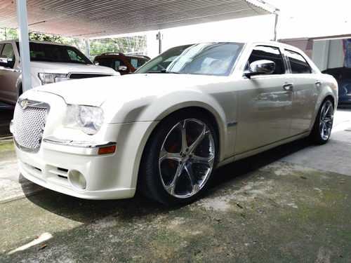 Imagen 1 de 15 de 300c V8 2005