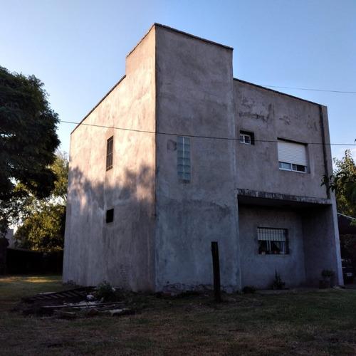 Moderna Casa En 2 Plantas - Agustin Roca - Junin - Bs. As.