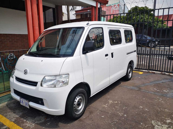 Daihatsu Gran Max 7 Pasajeros