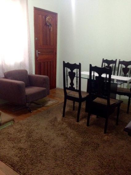 2 Dormitórios, Cozinha Com Armários, Sala Ampla. Ref 80327