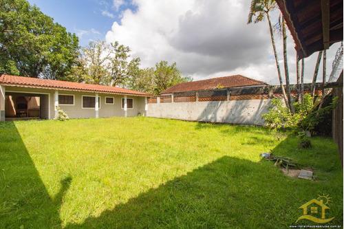 Casa No Bairro Parque Do Trevo Em Peruíbe - 3677