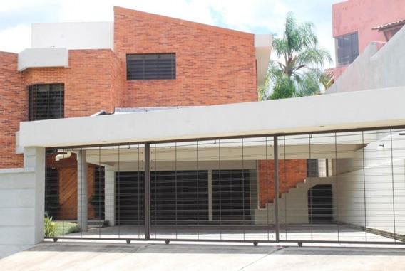 Moderna Casa En Venta En Altos De Guataparo