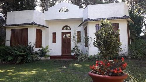 Casa En Alquiler Costa Del Este Sobre Avenida 2