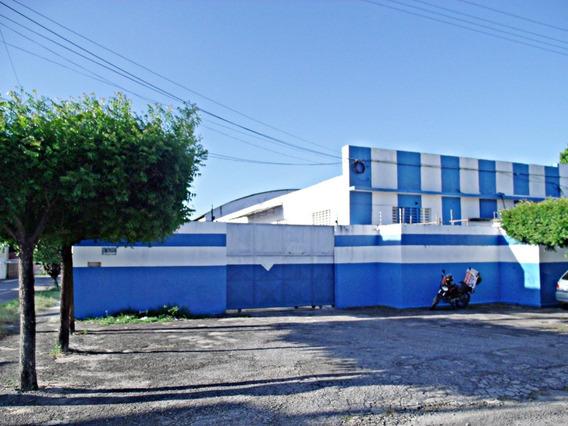 Galpão Com 3 Salas E 3 Banheiros, Área De Serviço, 2 Galpões