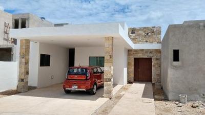 Hermosa Residencia En Privada Albarella Con Acabados De Lujo