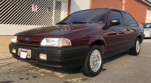 Imagem 1 de 15 de Ford Versailles