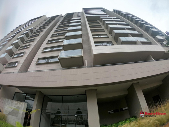 Rentahouse Vende Apartamento En Salitre Oriental Mls 20-63