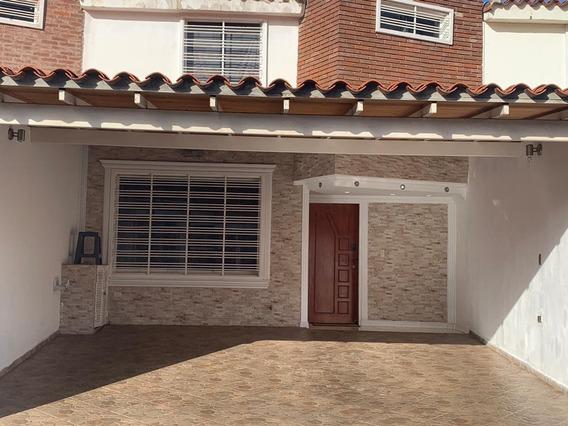 Town House En Venta En Urbanizacion Loma Real Charalllave