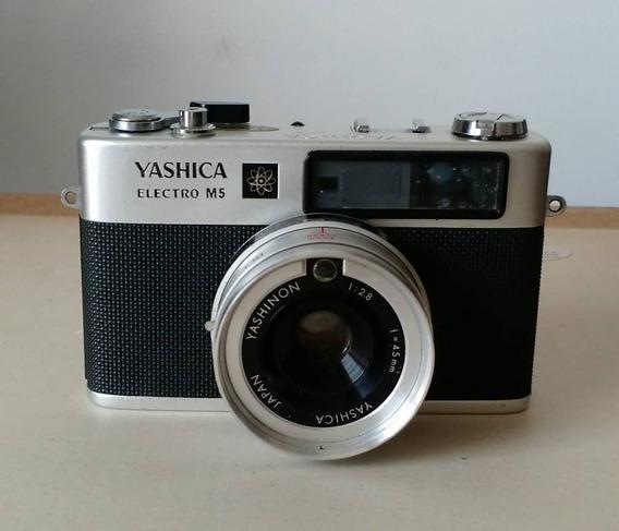 Cámara Fotográfica Yashica Electro M5. 25v