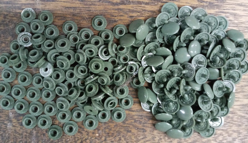 100 Broches A Presion Plastico * 13 Mm * Verde Militar *