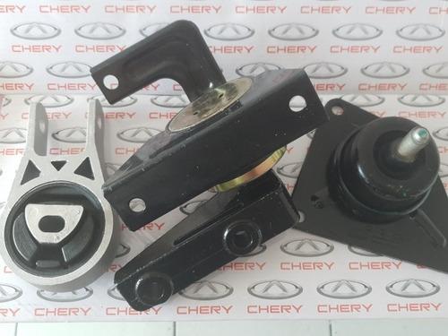 Juego Kit Bases Motor Y Caja Chery X1 Original