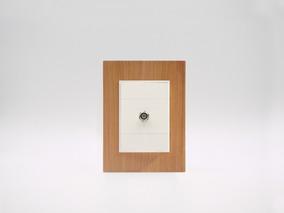 Placa Bauhaus Madera Ciprés, Toma Video Cable, Linea Premium