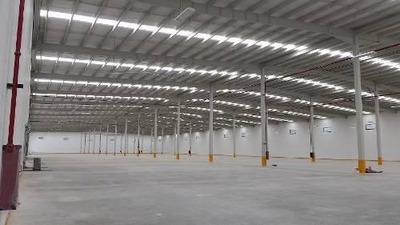 Venta Nave 2,574 M2 En Corredor Industrial El Marques-apto