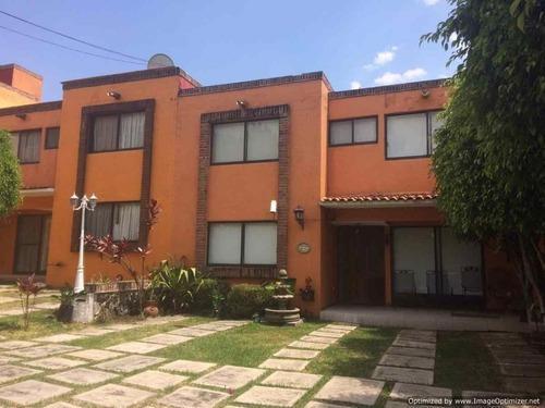 Casa En Condominio En Lomas De Atzingo / Cuernavaca - Est-27-cd