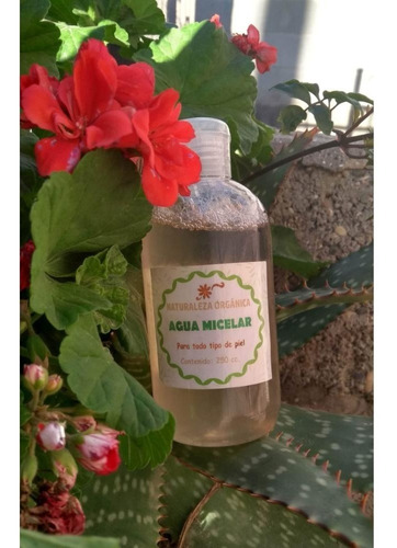 Agua Micelar 250ml 5en1 Limpia Humecta Tonific C/aloe-lavand