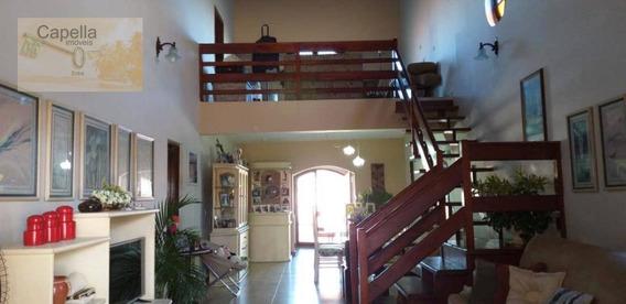Lindíssima Casa Com Sala 02 Ambientes Em Estilo Colonial!!!