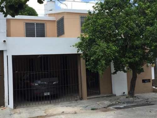 Remodelada, Comoda Y Muy Segura De 4 Recamaras (1 En Planta Baja) Y Garage