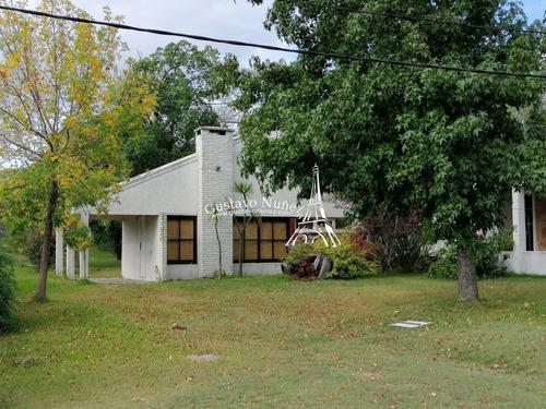 Propiedad En Barrio Residencial- Ref: 3519