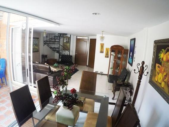 Casa Unifamiliar - Unidad Cerrada. Belén La Palma