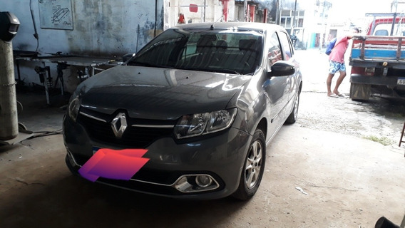 Renault Logan 2014 1.6 Dynamique Hi-power 4p