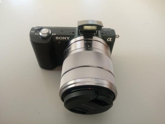 Câmera Sony A5000 + Lente Sony E 3.5-5.6/18-55 Oss