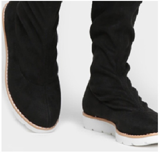 Oferta Black - Bota Preta - Tamanho 34 - Over Knee - Cano Alto - Salto Baixo- Solado Tênis - Camurça - Ref.357