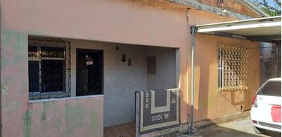 2 Casas, Garagem P/ 2 Carros, Quintal Grande E 3 Cisternas.