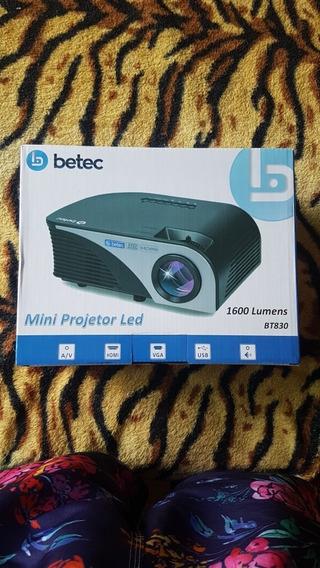 Mini Projetor Betec 1600 Lumens