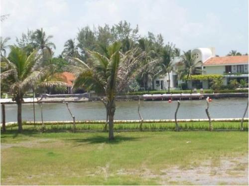Imagen 1 de 4 de Terreno Comercial En Venta Isla Del Amor