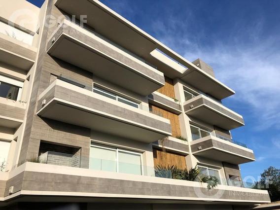 Vendo O Alquilo Apartamento De 2 Dormitorios Con 3 Baños, Garaje, Parrillero Exclusivo, Piscina, Carrasco