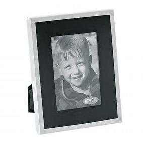 Porta Retrato De Aluminium Natural - Fundo Preto - 6 X 9 Cm