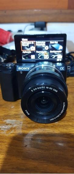 Câmera Sony Alpha A5000 + Lente Sony 16-50mm Oss Seminova