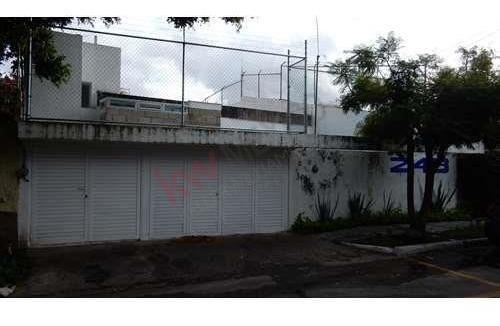 Casa En Renta En Colonia Chapalita.- Ideal Para Casa Habitación U Oficina A Puerta Cerrada