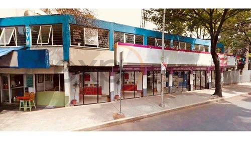 Imagen 1 de 6 de Formidable Local Comercial A Pie De Calle Sobre Av. Cuitláhuac, Col.un