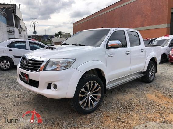 Toyota Hilux 3.0 Mt 2013