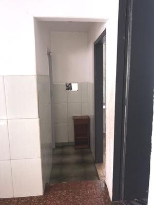Aluga-se Casa De 3 Cômodos Vila Souza