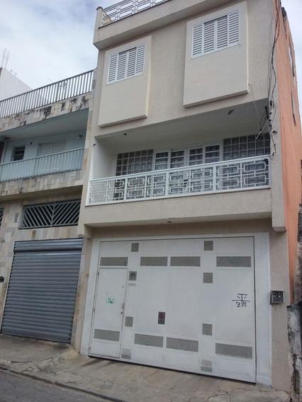 Aluga-se Casa De Fundos (4 Cômodos)
